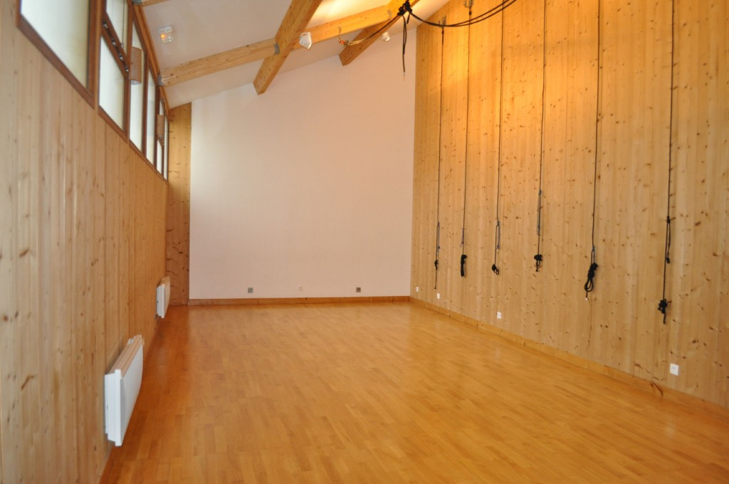 Studio Yoga small